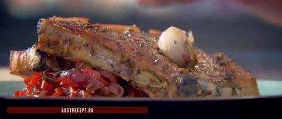 жареные свиные отбивные с кисло сладким перцем