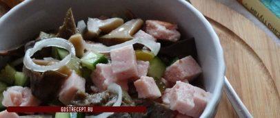 Салат с ветчиной и маринованными огурцами