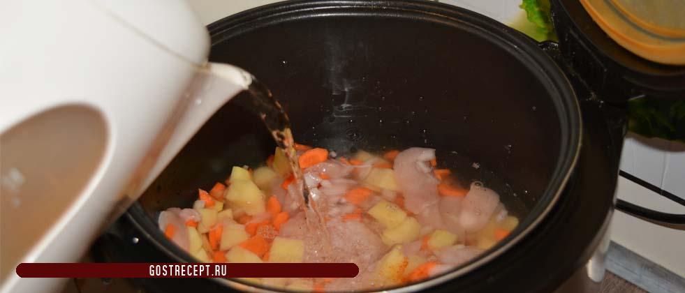 Kurinyj sup s jajcom (vykladyvaem vse v multivarku)