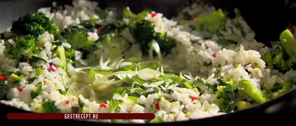 Зеленый лук и рис. Ароматный жареный рис.