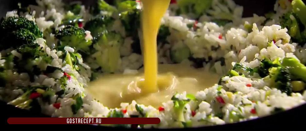 Рис и яйца. Ароматный жареный рис.